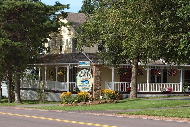 Shining Waters Country Inn - Resort at Cavendish Corner