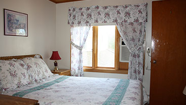 Shining Waters Country Inn Standard Rooms